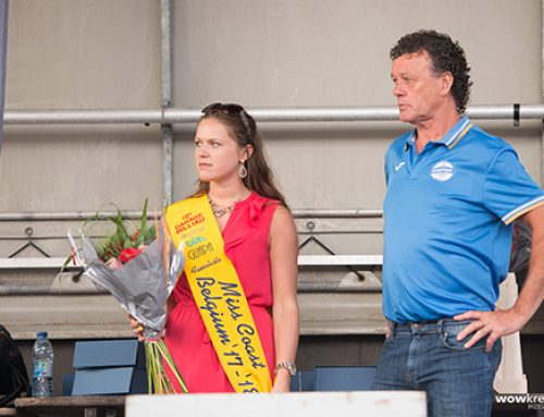 Finaliste Miss Coast Belgium '17-'18 Phebe Vermeersch is bloemenmeisje op de jaarlijkse Zomerloop van Bredene